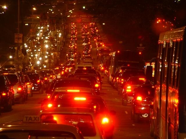 ハイマウントストップランプとは?ランプの重要性と車検の関係をわかりやすくお伝えします!