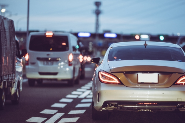 車検の時に重要となる、灯火類の保安基準をご存知でしょうか。灯火類とは、ヘッドライトやスモールライ...