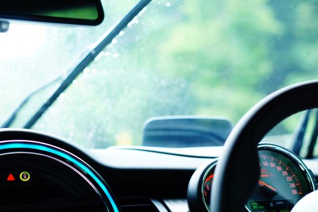 ワイパーが基準を満たさないと車検に通らないこともありえる?
